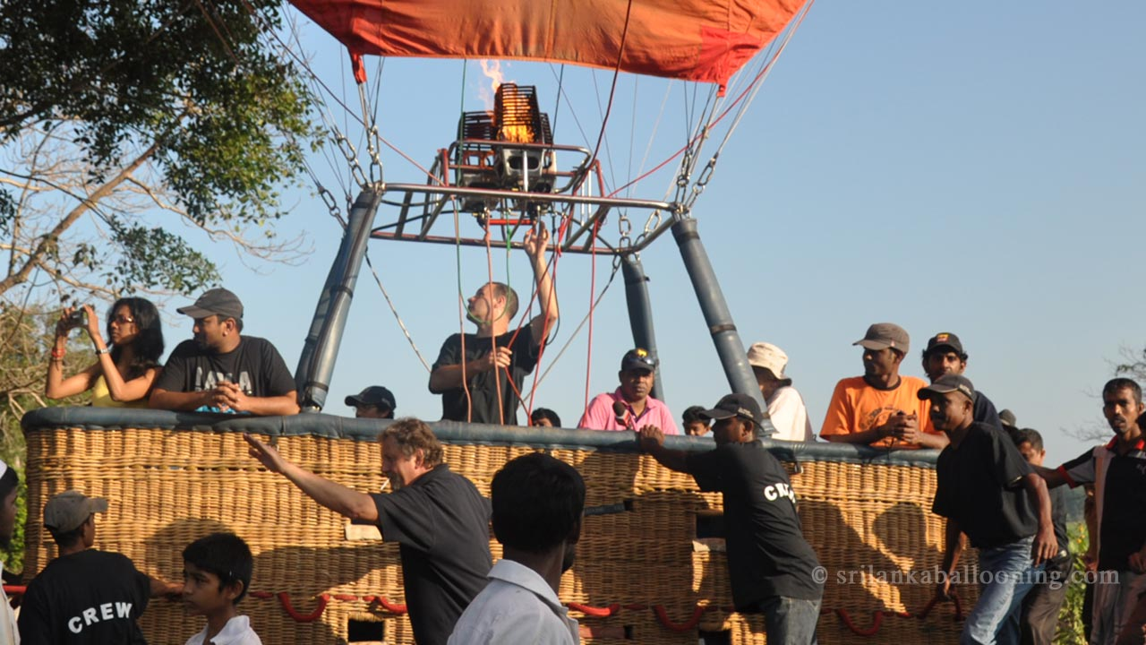 Neth FM Radio - Travel show on-air-recording - Sun Rise Ballooning